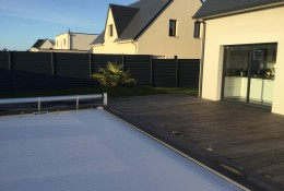 Cloture jardin en claustra aluminium gris ALUCLIN.