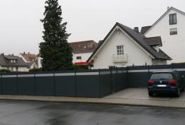 Barrière de jardin en aluminium gris alulam.