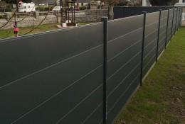 Clôture alu Alumax gris RAL 7016, scellée, hauteur 1.50 m