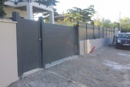 Cloture aluminium ALUCLOS avec portail alu et portillon alu.