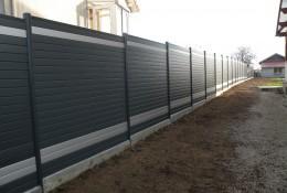 Cloture aluminium ALULAM avec soubassement beton.