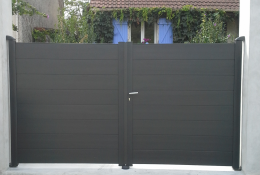 Portail aluminium Gris Ral 7016 de la gamme ALU.LINE