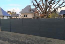 Clôture alu Alumax gris RAL 7016 finition texturée scellée hauteur 1.50 m
