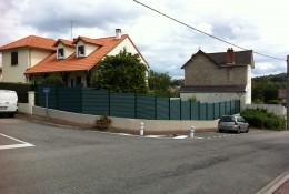 Cloture aluminium aluclos en barriere de jardin.