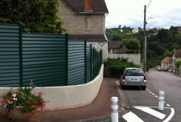 Brise vue jardin aluclos en panneau aluminium.