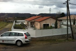 Cloture jardin en brise vue aluminium ALUCLIN.